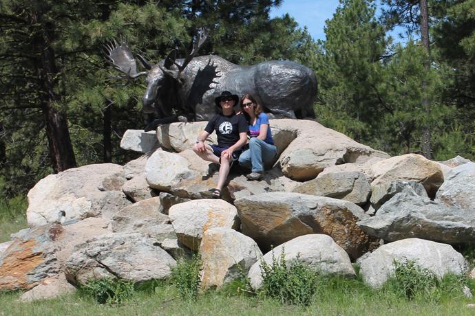 עברנו בשכונה שכל חלק ממנה נקרא על שם חיה אחרת ועוטר בפסל מרהיב של החיה. הצטלמנו עם הדישון, הוא המוס.