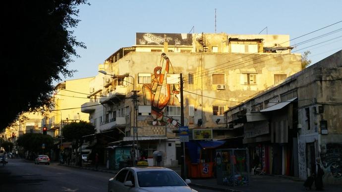 ציור קיר / גרפיטי מגניב בשכונה