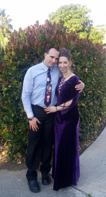 הזוג הפחות טרי בתמונה ייצוגית. עופר הגיע עם עניבה כדי להראות סולידריות; עניבה של סנופי כדי לא להרגיש רציני מדי :-D