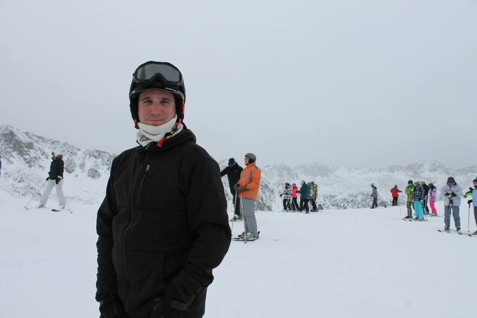 עופר מדגמן שלג