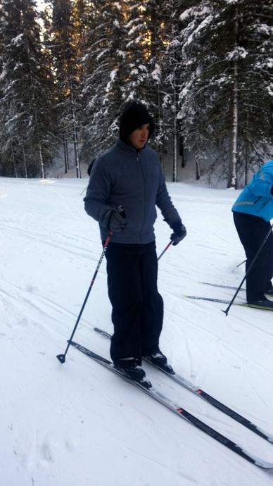 עופר מתרגל קרוס קאנטרי סקי