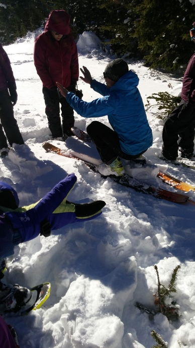 המדריך מסביר איך לשמור על יציבות בתוך שלג עמוק ורך